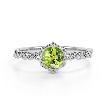 Chain Design 1.25 Carat Round Brilliant Cut Peridot and Best Solitaire Engagement Ring in White Gold
