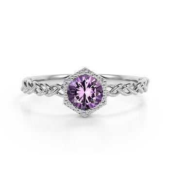 Chain Design 1.25 Carat Round Brilliant Cut Amethyst and Best Solitaire Engagement Ring in White Gold