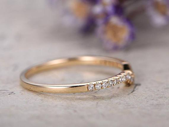 Perfect. 25 Carat Round cut Diamond Wedding Ring Band for Her in Yellow Gold