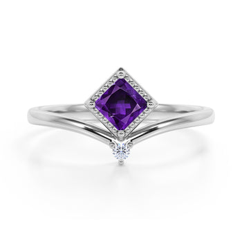 Geometric 1.05 Carat Princess Cut Amethyst and 2 Stone Diamond Contour Engagement Ring in White Gold