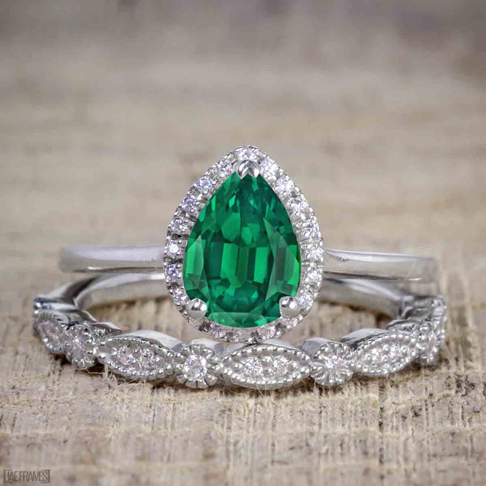 Artdeco scalloped 2 Carat Pear cut Emerald and Diamond Wedding Ring Set for Women in White Gold