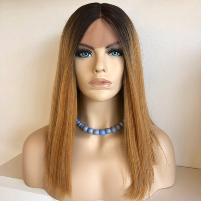 "Jennifer | 16"" Honey Blonde w/ Dark Brown Roots Wig"