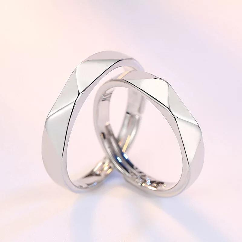 Luxurious Geometric Couple Ring