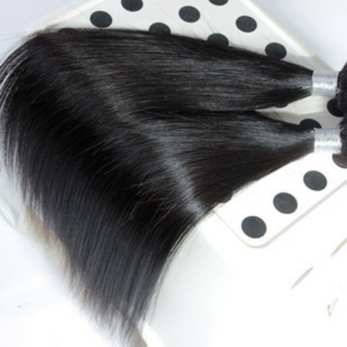 Two (2) Bundles of Silky Straight grade 9a - mslhair