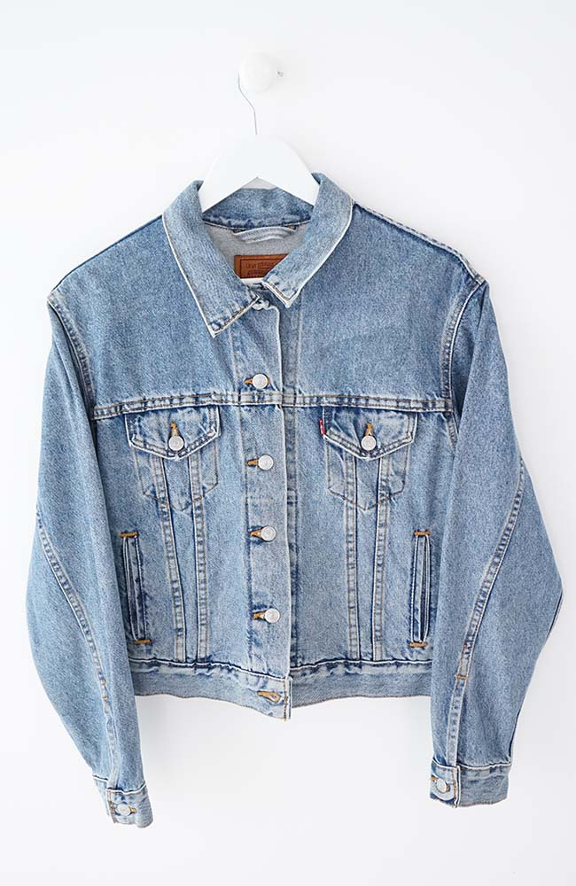 VINTAGE LEVIS DENIM JACKET (M)