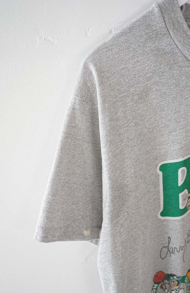 VINTAGE BOSTON CELTICS T-SHIRT (S)