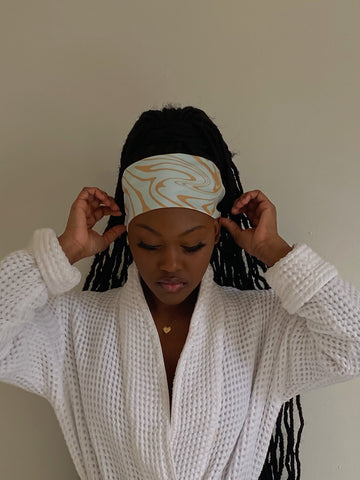 Use a scarf to lay edges