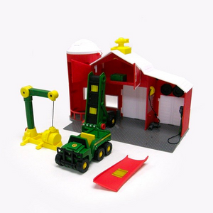 John Deere Power Drive Lift & Load Barn with Motorized Gator Playset