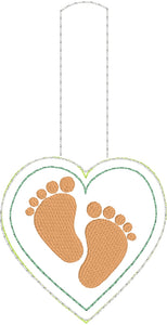Baby Feet Love snap tab