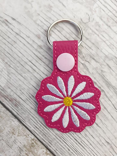 Daisy snap tab embroidery design