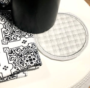 Plaid Circle Coaster In The Hoop Embroidery Project