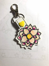 Simple Floral Outline snap tab embroidery design