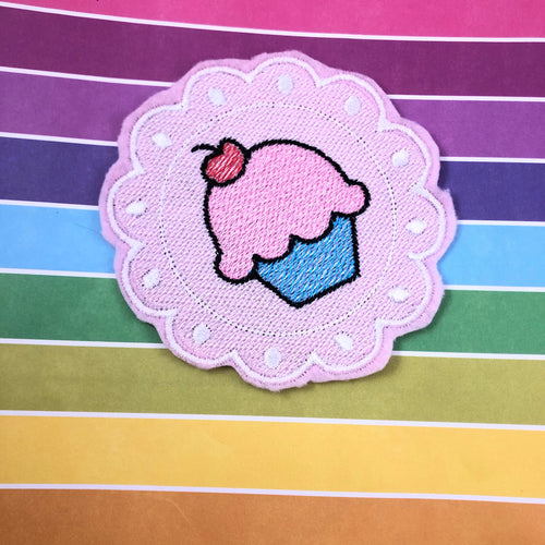 Frilly Framed Cupcake Embroidery Design