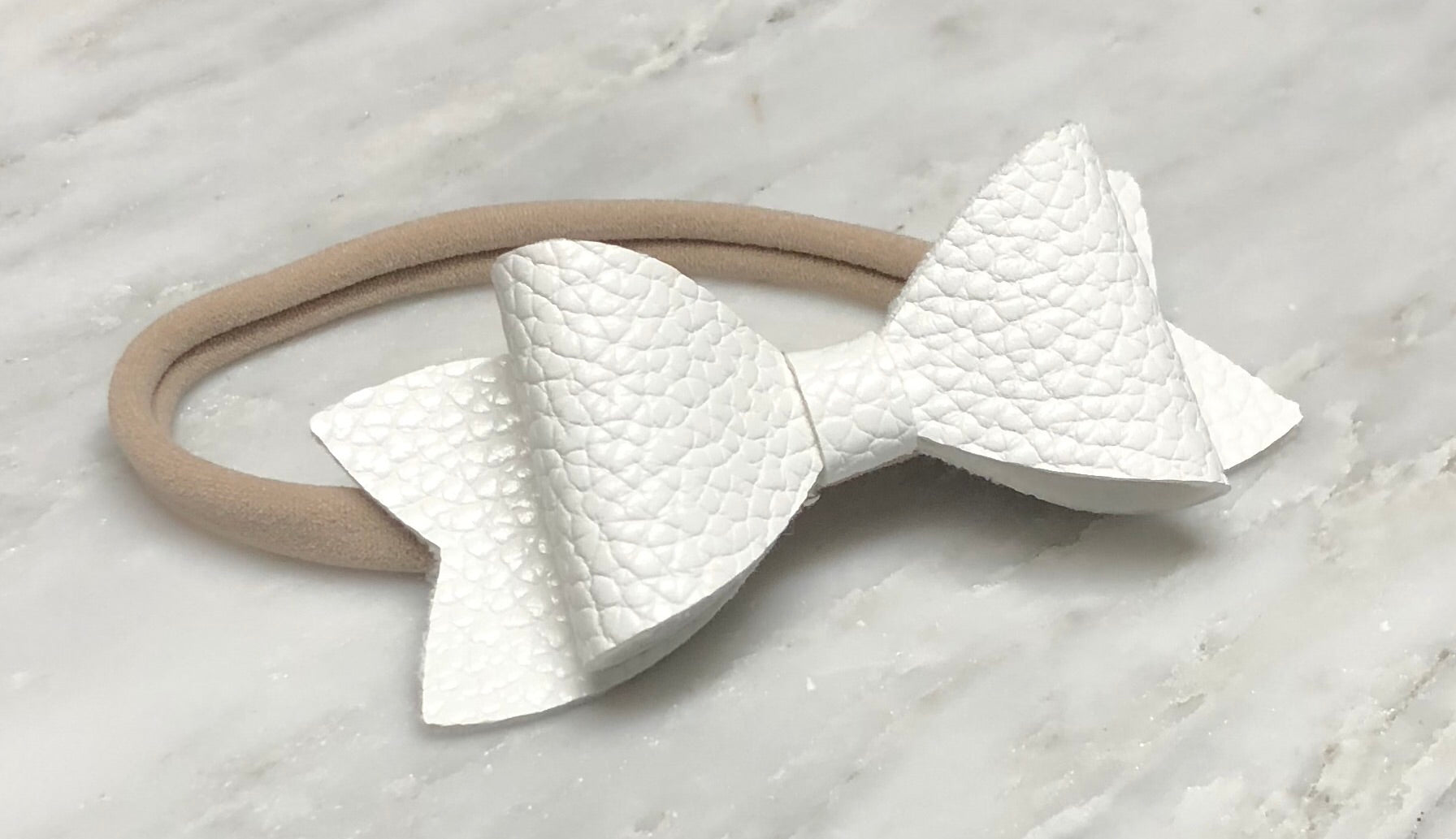 Simply White Bow Headband – Harper and Hailee 2aa2fe79b3c