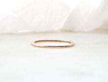 Load image into Gallery viewer, Gents Concept 1mm Rose Gold Band