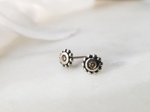 Modern Vintage Concept Diamond White Gold Stud Earrings