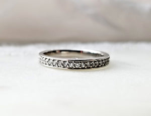 Classic Concept Platinum Band With Diamonds