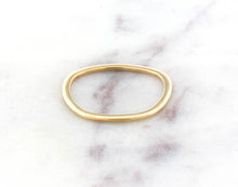 Load image into Gallery viewer, Gents Concept 1mm Yellow Gold Band