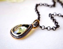 Load image into Gallery viewer, Modern Vintage Concept Green Sapphire Rose Pendant