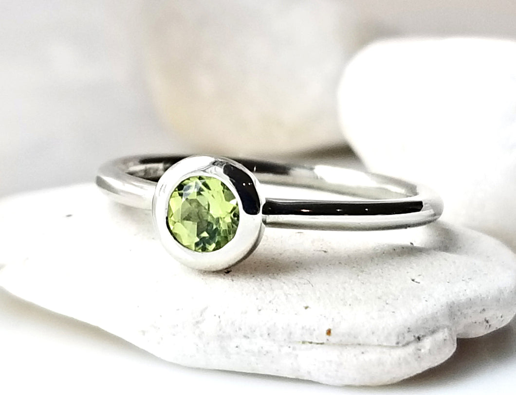 Family Concept Peridot Ring