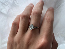 Load image into Gallery viewer, Modern Vintage Concept Marquise Cut Diamond Ring