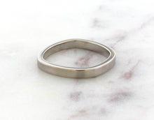 Load image into Gallery viewer, Gents Concept 3mm Palladium White Gold Band