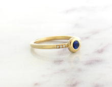 Load image into Gallery viewer, Family Concept Blue Sapphire Ring