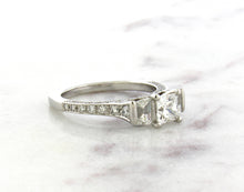 Load image into Gallery viewer, Classic Concept Platinum Ring