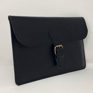 Ipad holder with buckle in black (handmade, leather) - FRONT