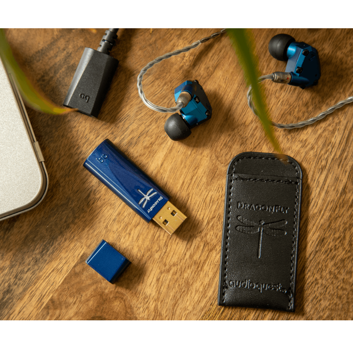 AudioQuest Dragonfly Cobalt - USB DAC + Preamp + Headphone Amplifier - AVStore.in