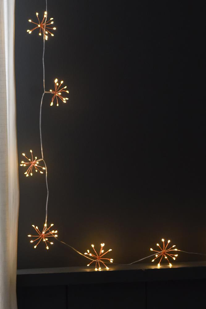 Starburst Chain - 240 LED Indoor/Outdoor Lights - Mains Powered - Choose From 3 Colours