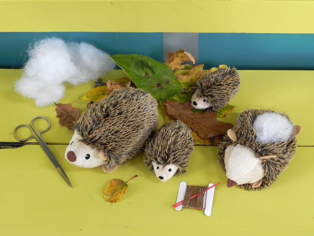Apples To Pears - Craft - Gift In A Tin - Sew Me Up Hedgehog & Hoglet