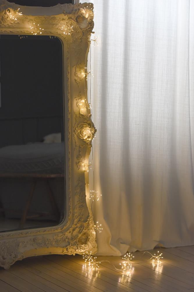 Starburst Chain - 150 LED Indoor/Outdoor Lights - Battery Operated - Choose From 2 Colours