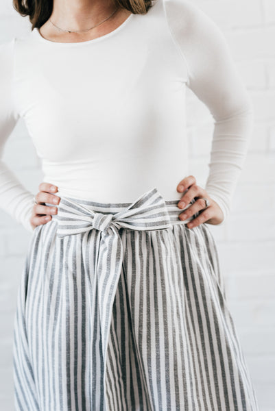 Lorena Skirt Gray & White