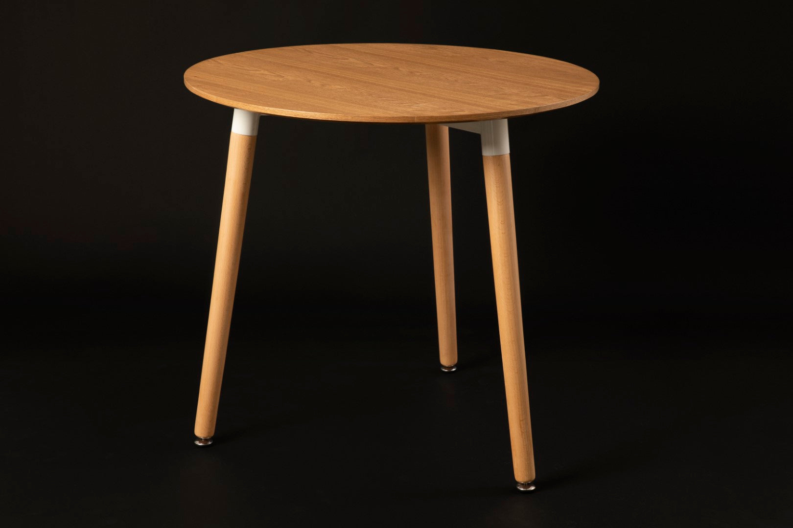 Mesh Wood Round Table
