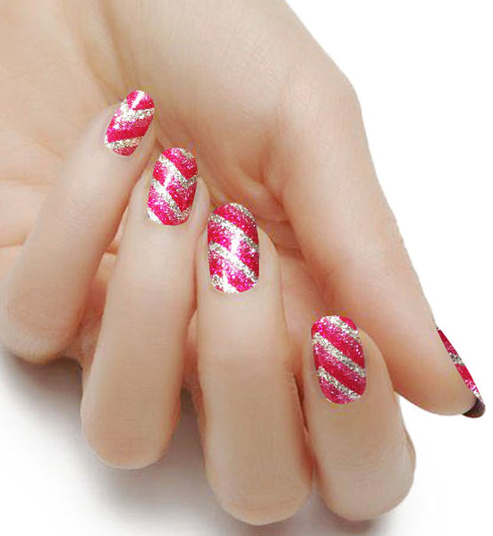 Nail Polish With Glitter Zipper - To Bend Light