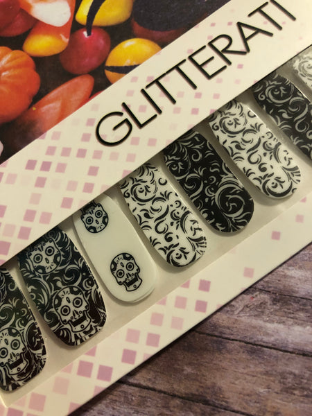 """Glowing Ghouls"" Halloween Nail Polish Strips  GLOW IN THE DARK - Glitterati"