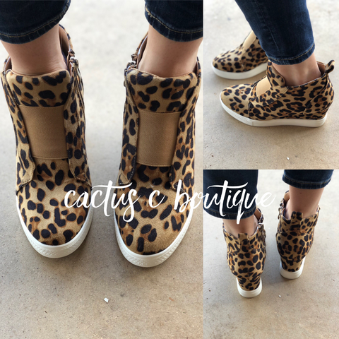 Sight see wedge sneaker- leopard