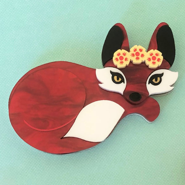 FLOWER QUEEN FOX BROOCH