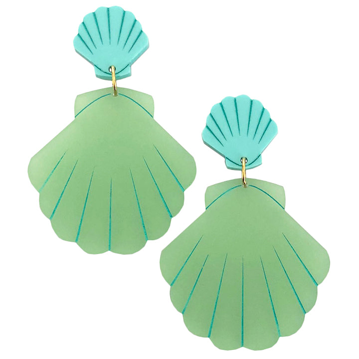 CLAMOROUS CLAMSHELL GREEN EARRINGS
