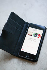 iPhone 5/5s Folding Wallet-Style Case