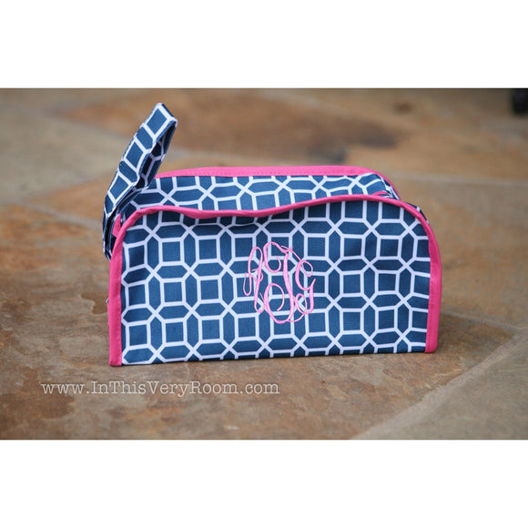 *SOLD OUT* Modern Navy & Pink Dopp Style Travel Bag - inthisveryroom