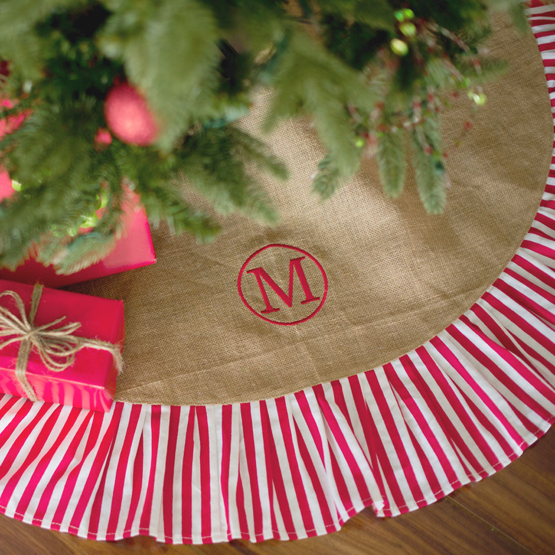 personalized tree skirts monogrammed christmas tree skirt 1