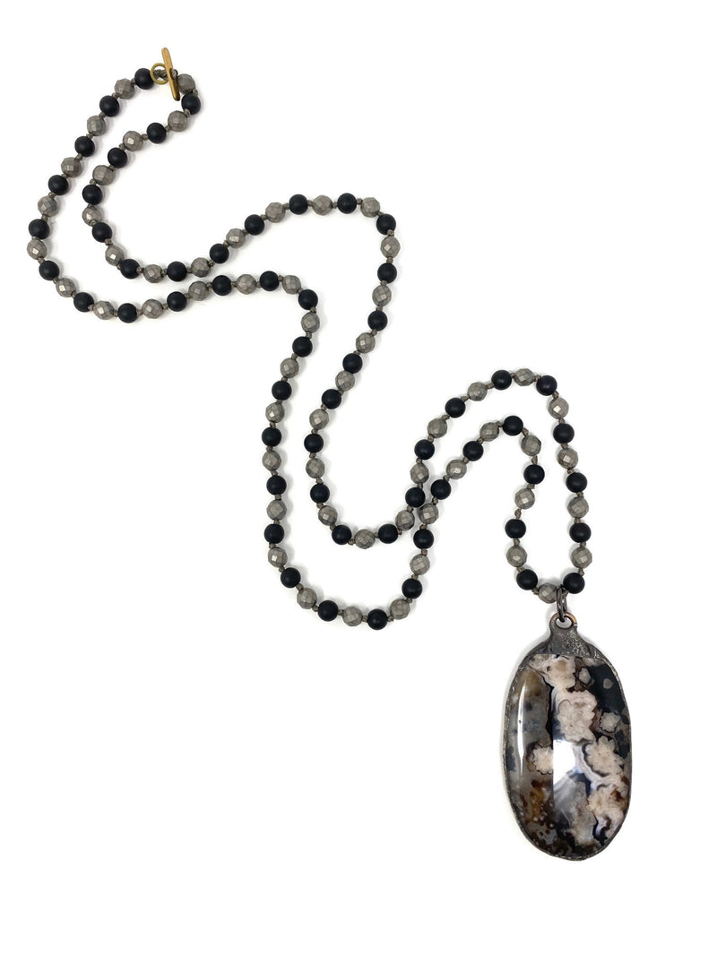 Onyx and Hematite Chain with Agate Pendant