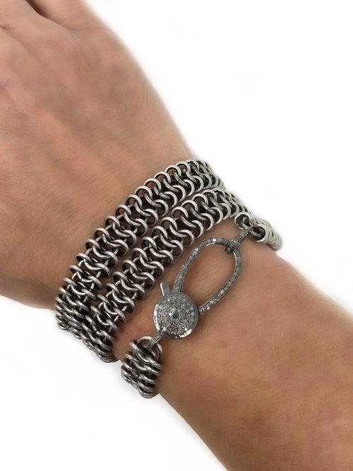 Chainmail With Large Diamond Clasp