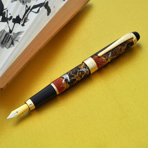Oshita Maki-e Tsuru - Rising Sun Crane Fountain Pen - Wancher International