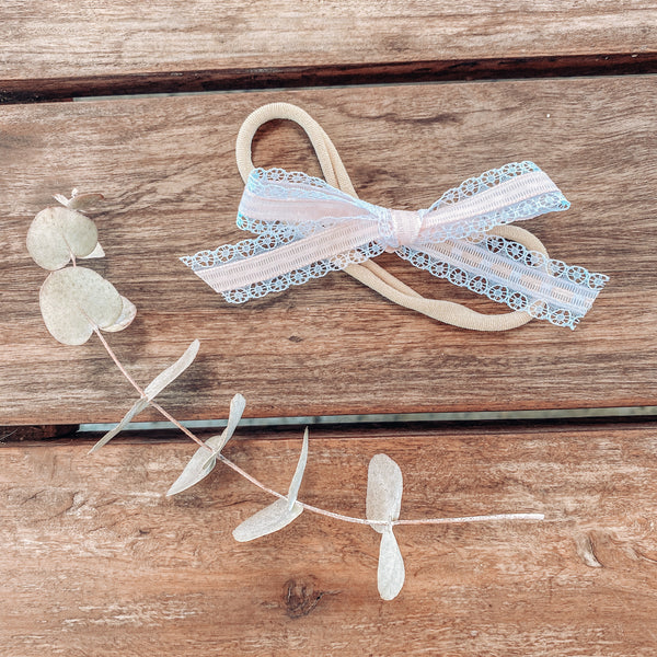 Blanche Lace Bow