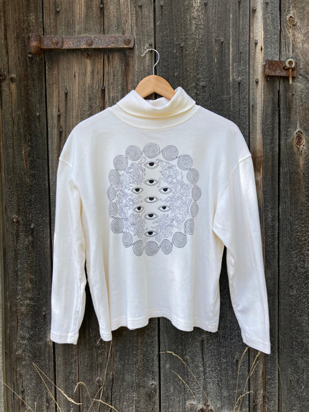 9 Labyrinths Cream Turtleneck | L