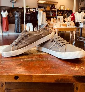 Wolf Grey Blowfish Shoe