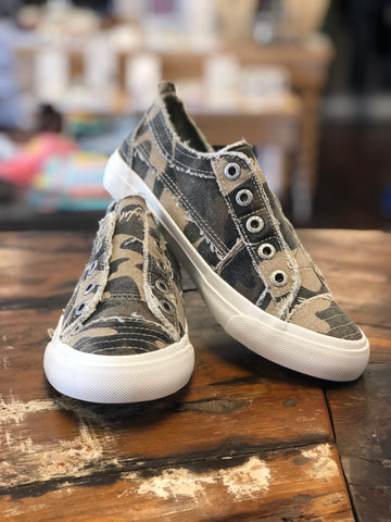 Natural Camo Canvas Sneaker